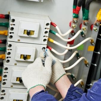Instalações e manutenção de alta e média tensão